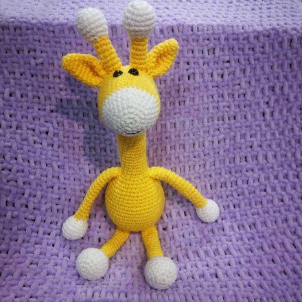 rankų darbo žirafa